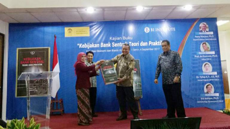"""Acara Launching Buku """"Kebijakan Bank Sentral: Teori dan Praktik"""""""