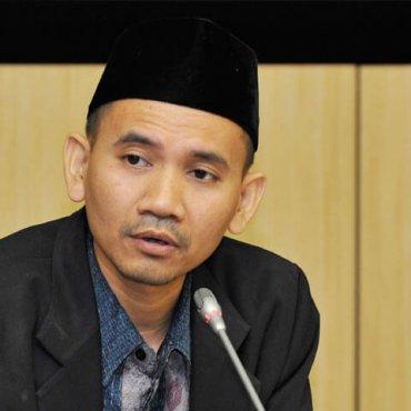 Dr. Oni Sahroni, M.A.